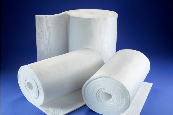 fiberglass insulation blankets and batts delivered on rolls