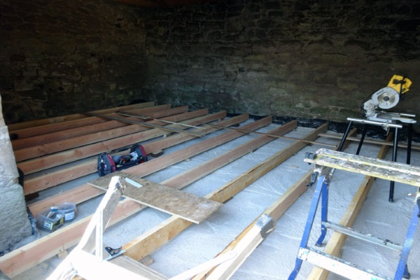 roof joists to support heavy blanket and batt insulation